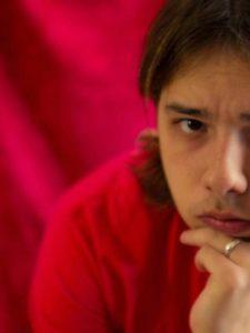 """PERFIL """"CARNE NOVA"""": Crítico PHILIPPE TORRES"""