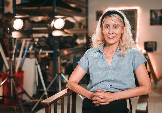 Entrevista: La Cama: Diretora Mónica Lairana